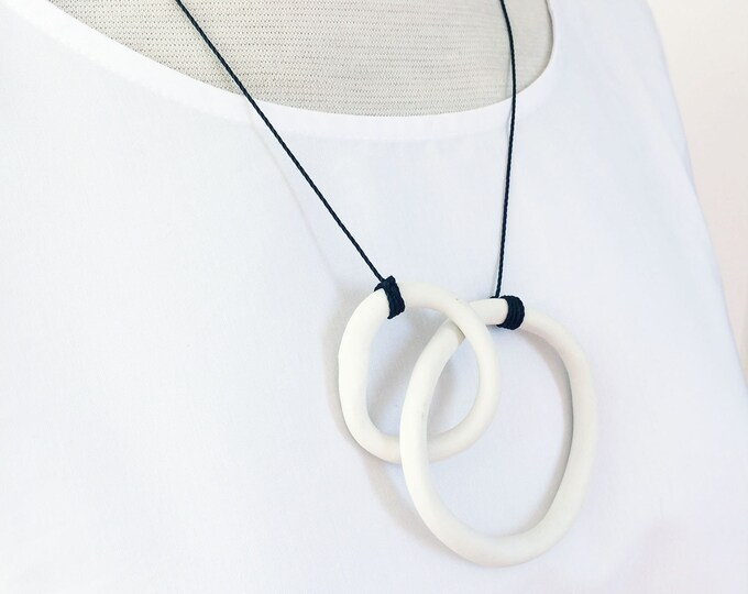 Minimalist porcelain necklace with hoops - white porcelain circle necklace - simple ceramic necklace - modern ceramic jewelry - gift for her