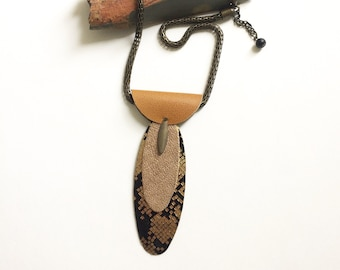 Geometric leather and paper pendant necklace - boho brass necklace - tribal inspire jewelry