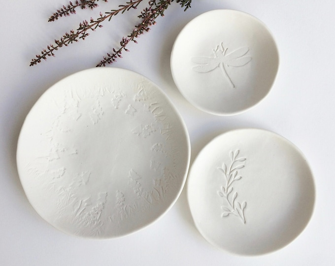 Set of 3 ceramic jewelry dish - dragonfly ring dish - porcelain jewelry holder - home decor ceramic plate - housewarming rustic ceramic gift