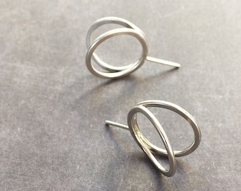 Stud circle silver earrings - open ring earrings -minimalist circle earrings - contemporary jewellery -3D circle earrings