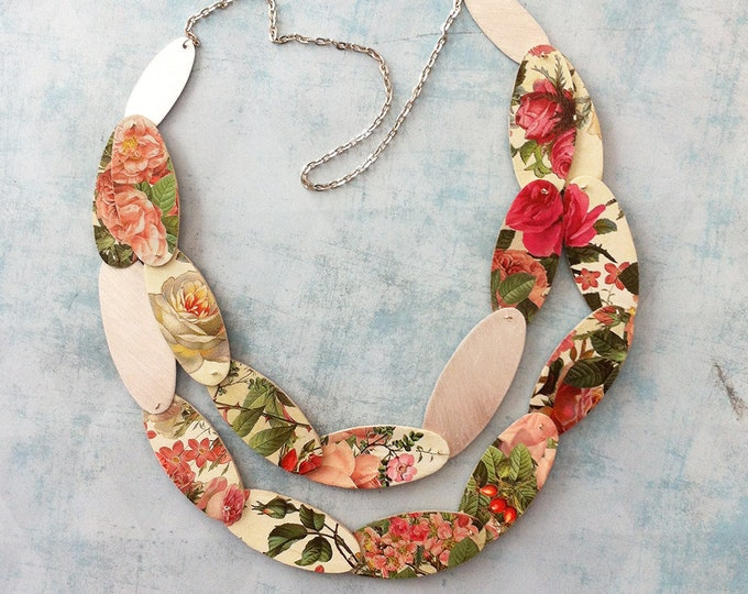 Bold flower paper necklace - statement roses necklace - modern paper jewelry