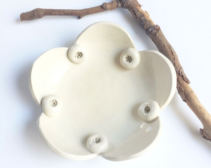 White ceramic blue berries plate - jewelry dish - rustic decorative plate - ceramic ring dish - modern farmhouse decor - housewarming gift