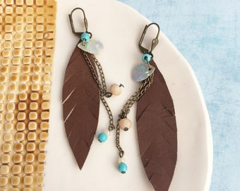 Brown leather feather earrings - boho earrings - chain and beads earrings - beach jewelry - tropical vibes - gipsy earrings - gift for woman