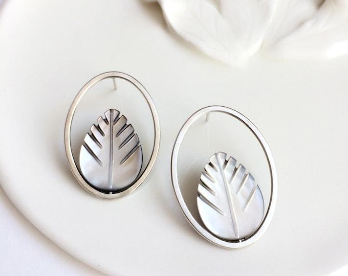 Modern leaf earrings - minimalist mother of pearl earrings