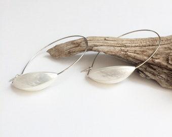 Sterling silver hoop earrings with mother of pearl bead - modern minimalist pearl earrings - contemporary jewelry - modern bridal jewelry