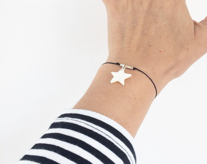 Celestial charm star bracelet - friendship minimalist bracelet - silver and mother of pearl bracelet - adjustable size - girlfriend gift