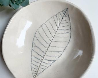 Minimalist leaf jewelry dish - nature inspired trinket dish