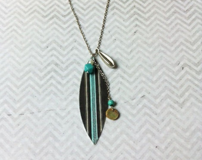 Boho Necklace - Ethnic -  paper &  mother of pearl - leaf shape -medium size