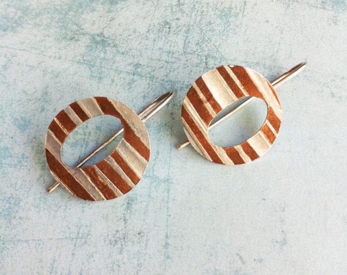 hook silver and copper earrings -two fusing metals earrings - oval open in circle geometric earrings