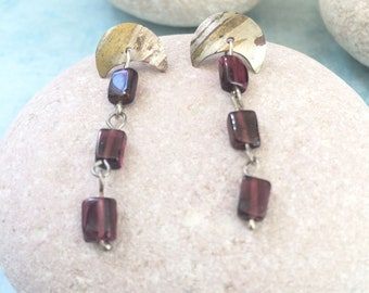 Stud silver earrings - dangle and drop earrings - square garnet stones - half moon shape