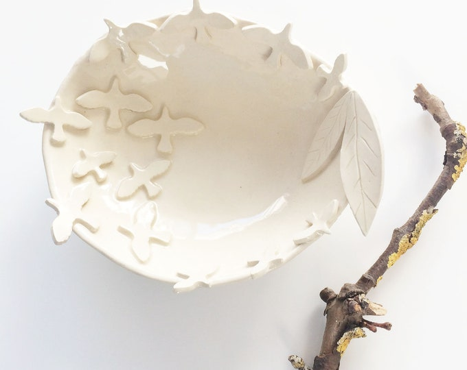 Decorative ceramic bowl birds and leaves - white stoneware jewelry dish - rustic handmade ceramic bowl - cozy home decor - housewarming gift