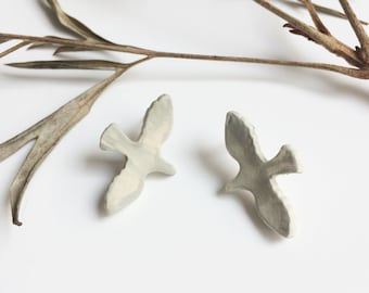 Ceramic bird stud earrings - glazed matte gray - rustic ceramic jewelry - nature inspired jewelry - flying bird jewelry - gift for her
