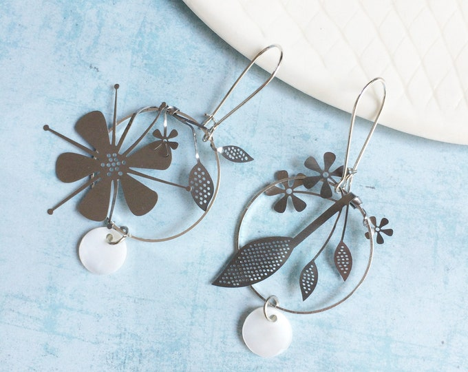 Statement silver hoop flower earrings - drop circle with flowers - delicate steel flower earrings - modern floral jewelry -  gift for her