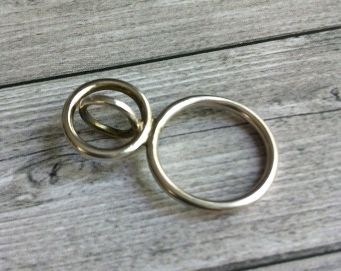 Statement silver open circles ring - sculptural geometric ring - contemporary hoop ring