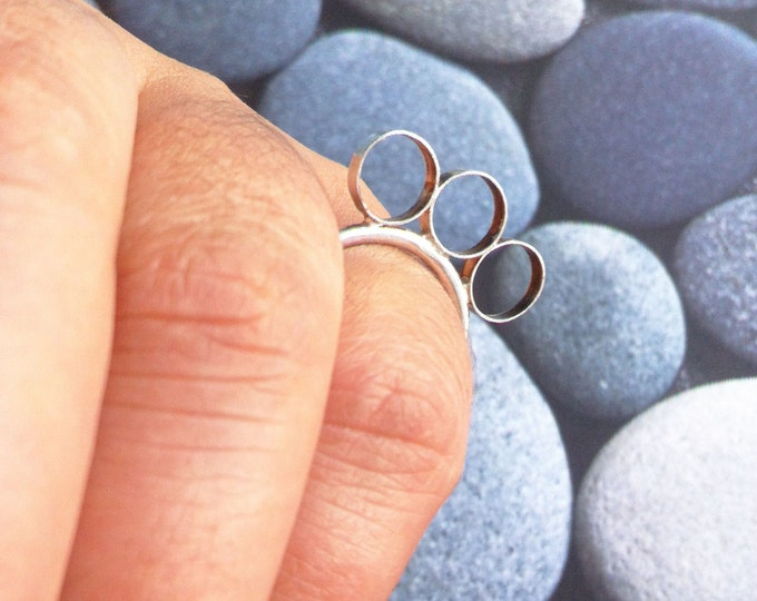 Statement silver ring open circles - geometric ring - contemporary bubbles ring