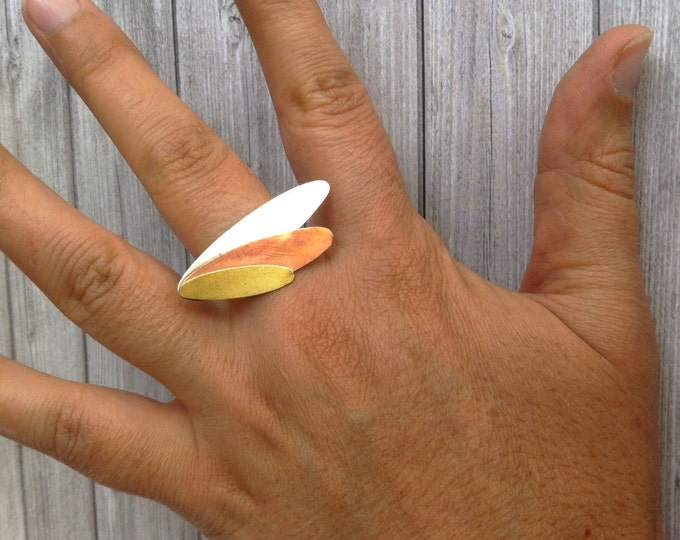 Statement mixed metal ring - modern leaf shape ring - geometric sterling silver ring - gift for her - contemporary jewelry - oval shape