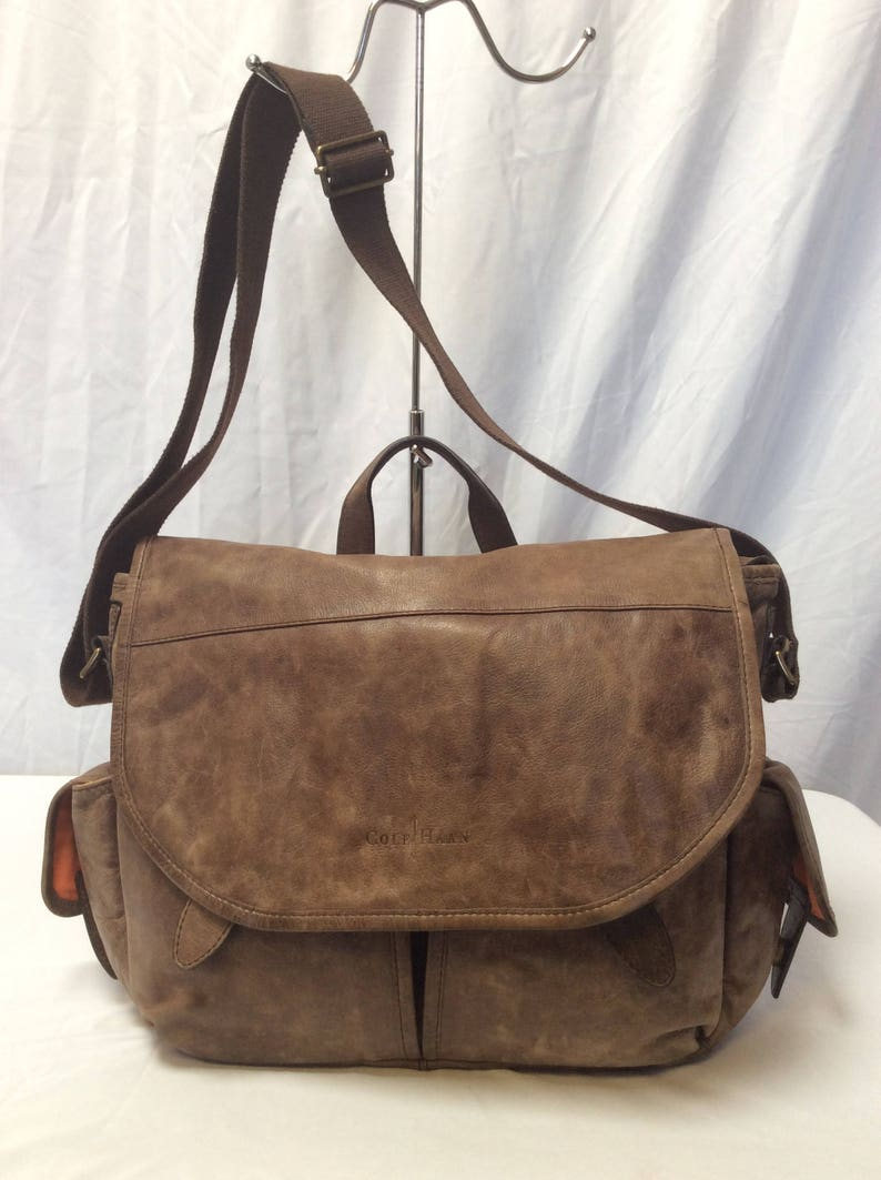 466aa0c164 Vintage Authentic COLE HAAN Brown Leather Messenger Bag   Etsy