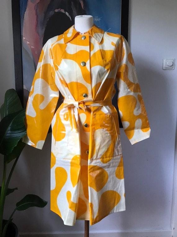 Vintage Scandinavian Rain Coat / Fits Medium / 196