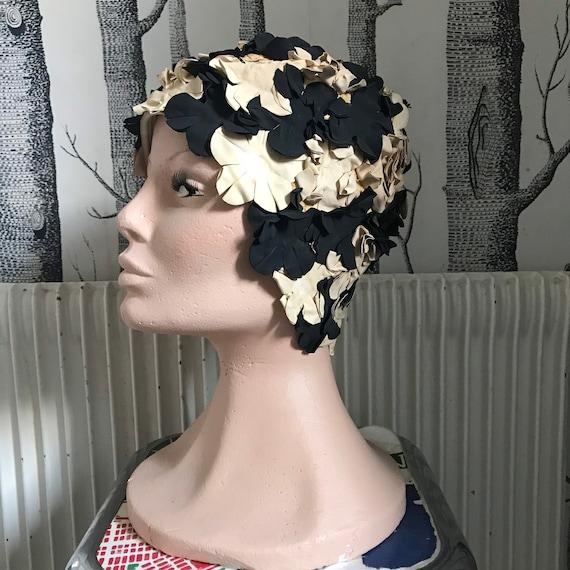 Amazing black&white floral swim cap hat / 1950-60