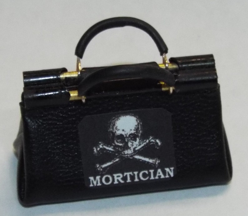 Dollhouse Miniature Handcrafted 1 12th Scale Morticians Undertakers Bag Closed