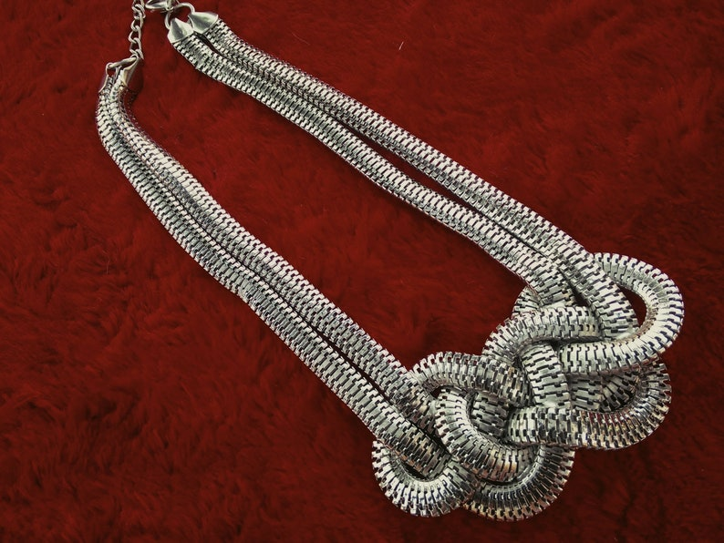 Gift Boxed Free postage large knot pendant necklace vintage necklace ajustable chain fastener 2428inches wedding prom party