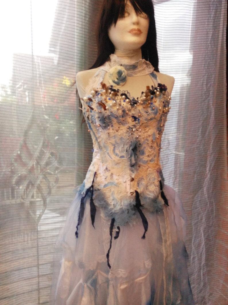 USA 46 dress costume veil /& headdress boned ajustable lace up back corset with distressed long net  skirt Corpse Bride small size UK 810