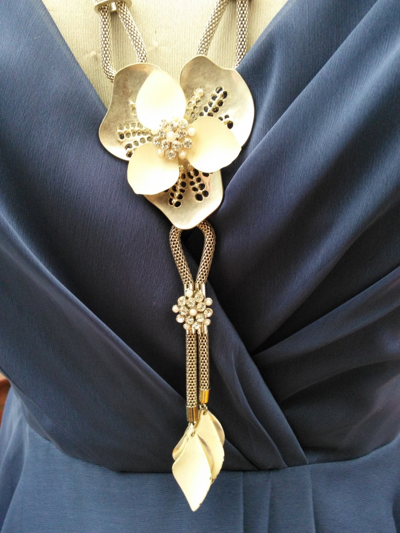 Long Art deco vintage diamante flower necklace with ajustable chain fastener wedding prom party birthday bridesmaid comes in pretty gift