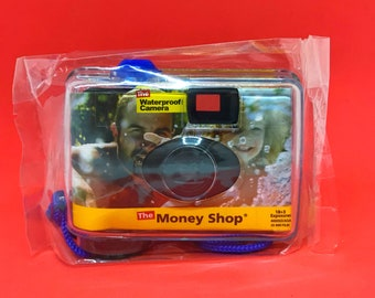 The Money Shop Waterproof Camera, Disposable, 400 ISO/ISA, 21 Exposures, 35mm Film Point and Shoot Camera