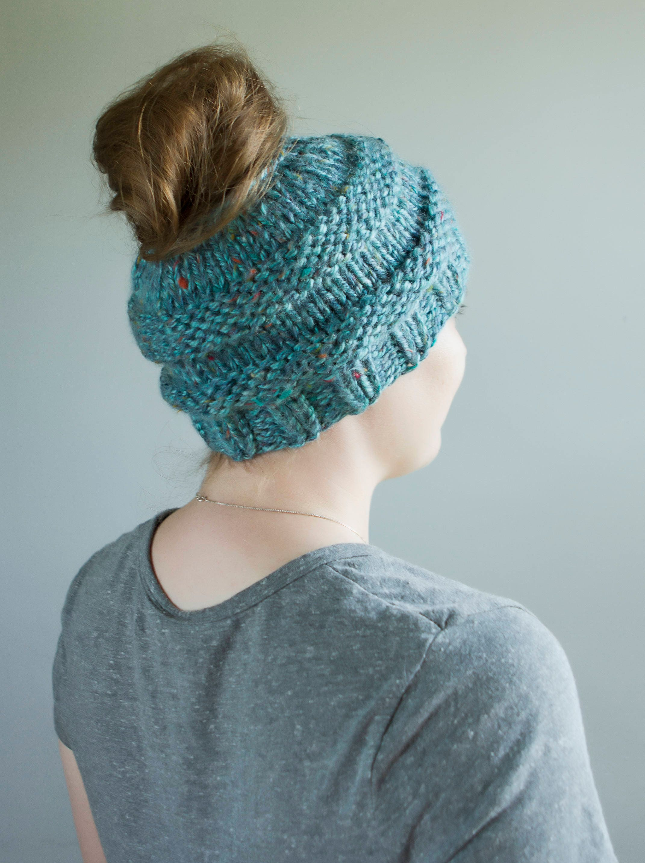 Messy Chunky Beach Waves Easy Tutorial: FREE Shipping Chunky Messy Bun/Ponytail Hat LOTS Of Color