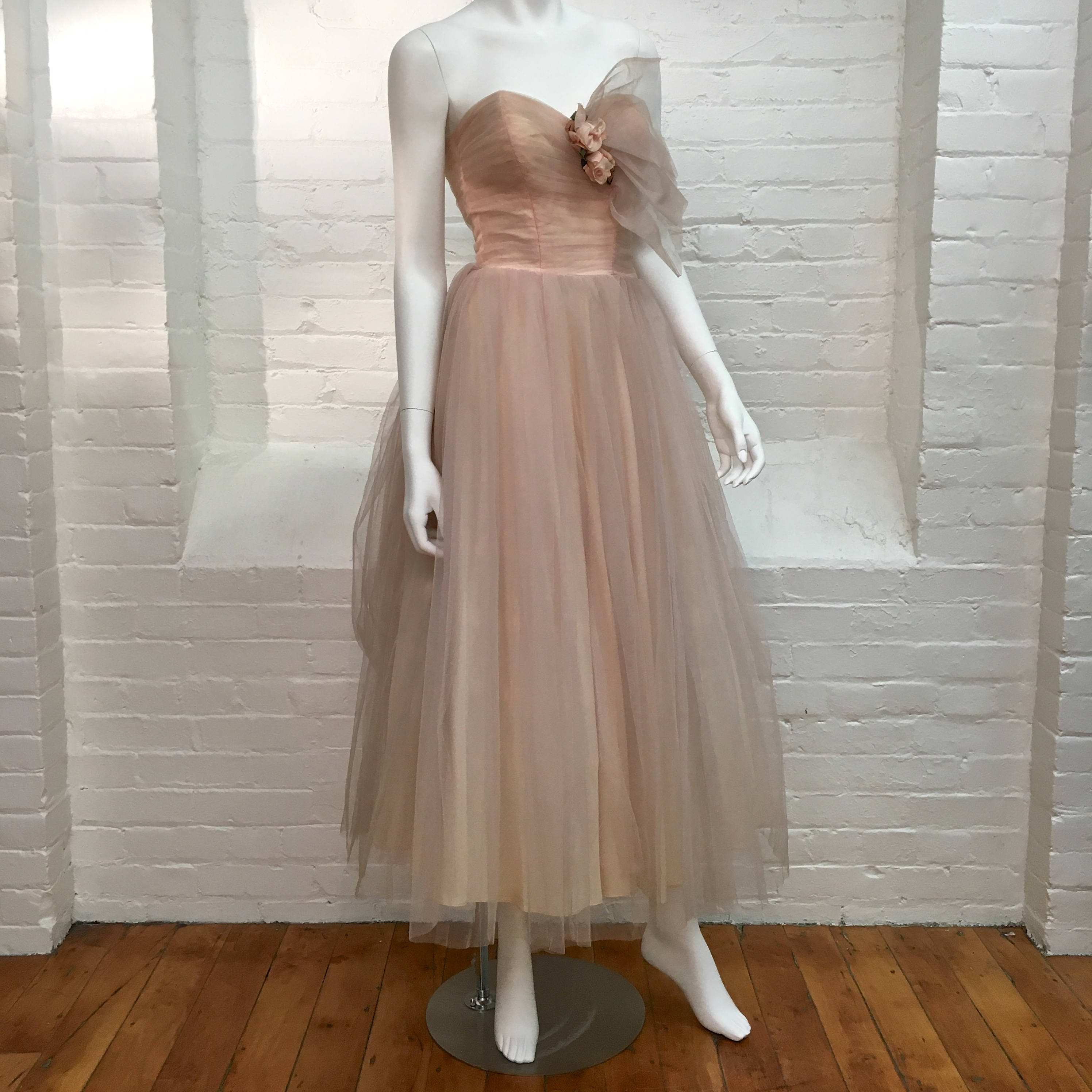 vintage tulle prom dress // formal party dress // 1950s