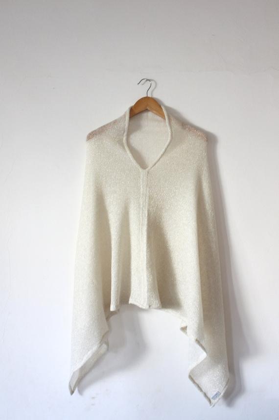 Poncho en laine femme gris tricoté châle tricoté de laine   Etsy d74e2c97c5a
