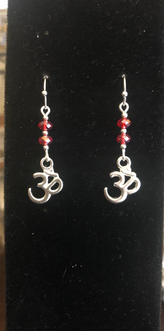 7.00 Ohm earrings Yoga Red and Silver