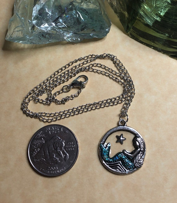 Mermaid pendant and chain
