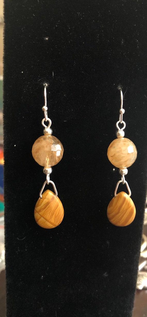 Earth Elements Beautiful Quartz and Agate Earrings