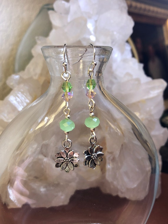 7.00 Lotus Flower Ohm earrings with Swarovski Crystals