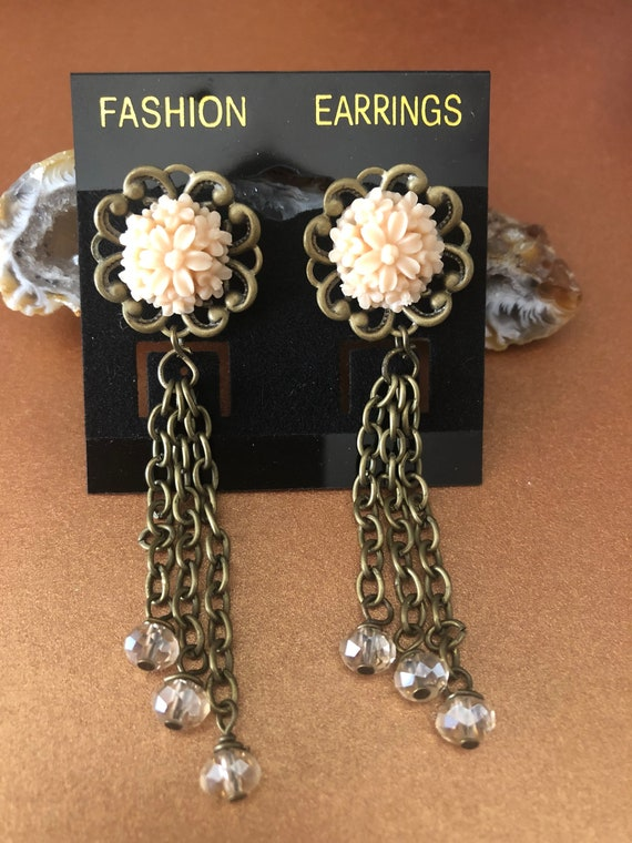 Bronze color Earrings with Crystals and a beautiful peach colored Bouquet