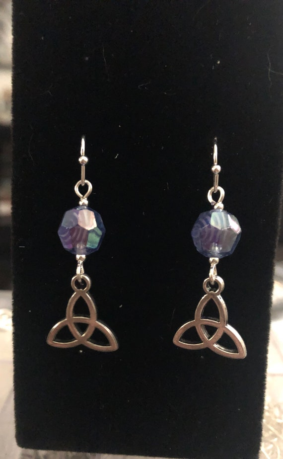7.00 Blue and silver Earrings Glass beads Trinity