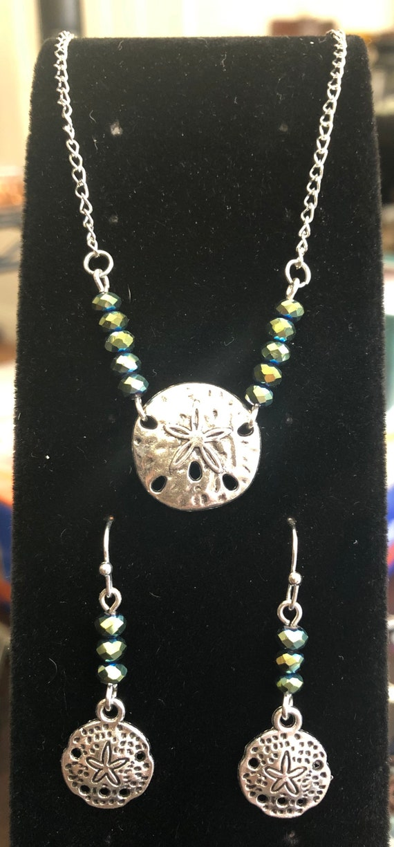 Sand Dollar Ocean Water Element with Peacock Colored Glass Beads set