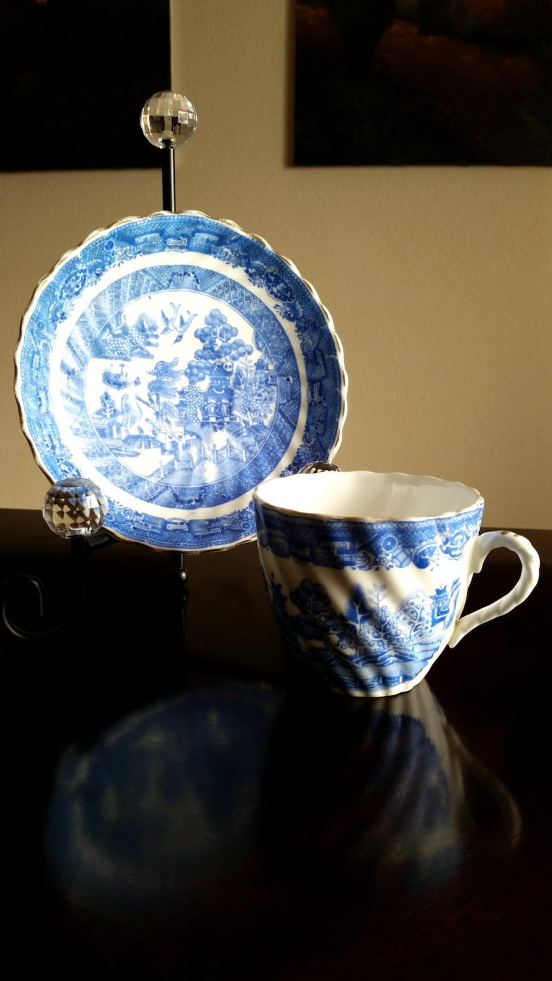 Vintage Willow Pattern Teacup and Saucer set / Staffordshire image 0