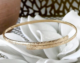 Oval Bypass Bangles 14k Gold Filled and 925 Sterling Silver Adjustable Bangles Everyday Gifts for Her / Hammered Textured Gold Boho Bangle