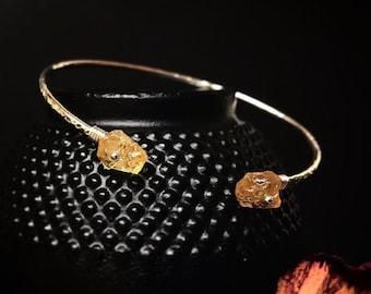Delicate Raw Citrine Bracelet / Unique Minimalist Birthstone Cuff Bracelet / 14K Gold, Sterling Silver Dainty Rough Citrine Jewelry for Her
