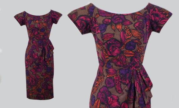 Kamehameha Sarong Hawaiian Dress / vintage 1950s T