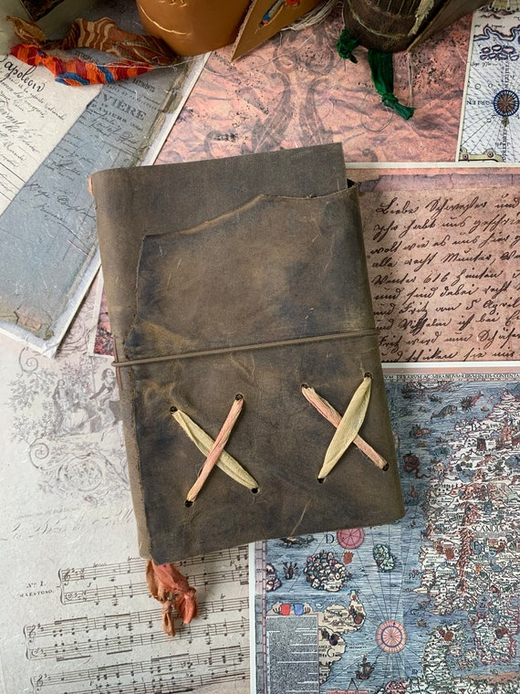 Leather Journal with Graph Paper, Bullet Journal, Leather Notebook, Fountain Pen Friendly Writing Journal, Travel Journal, Unique Journal
