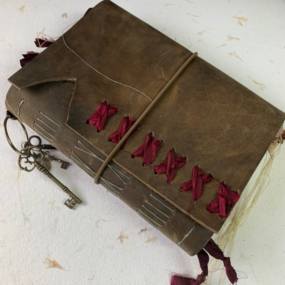 Artist Journal, Brown Handmade Leather Junk Journal, Unique Journal, Gothic Journal, Scrapbook, Bullet Journal, Vintage Inspired