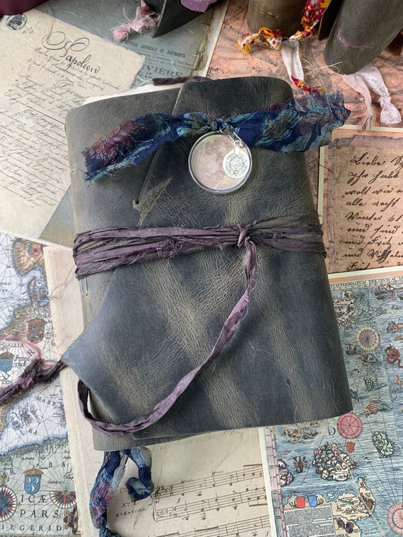 Luna Magic: A Handmade Journal of Fortune Telling and Astrology