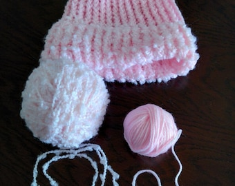 Beautiful pink bonnet, for girl made with soft wool.