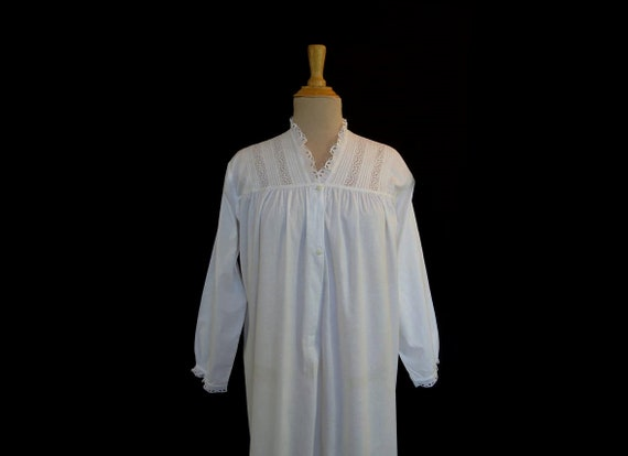 Vintage Nightgown Victorian Style Nightgown With Broderie  1050f694d