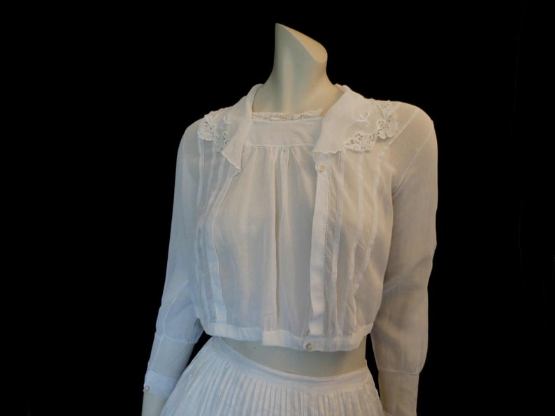 6957cd7edbe5f Antique Edwardian Blouse With Tucks and Lace Trim Bust 86