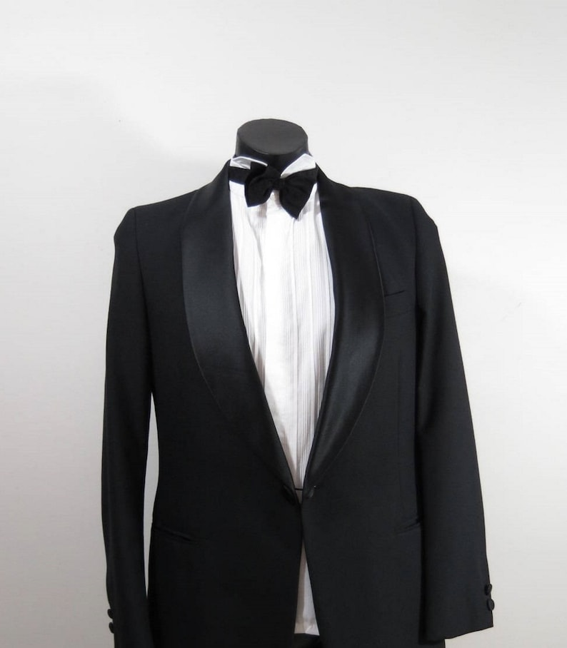 Vintage Dinner Jacket - Tuxedo Jacket With Satin Lapels and Buttons - 1970s  - Medium