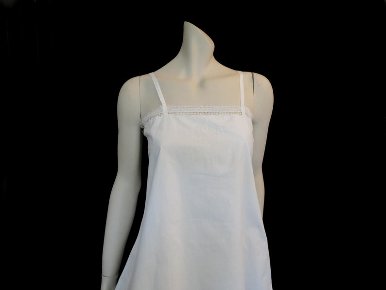 5c1738035ac French Embroidered Cotton Camisole or Tank Top - 1920s - Bust 86 cm